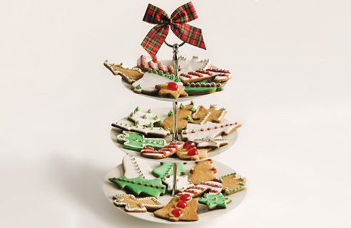 3 biscuits cakestandlg Christmas Table Decors