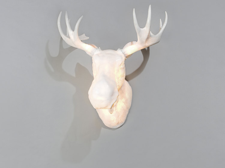 1 wall mounted norwegian light moose head by northern lighting Wall mounted Norwegian light moose head by Northern Lighting