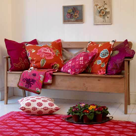 5 10 inspiring ideas colourful living rooms folk style seating 10 inspiring ideas: Colourful living rooms