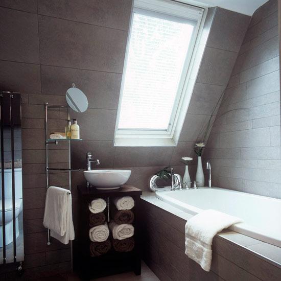 Дизайн ванны в мансарде