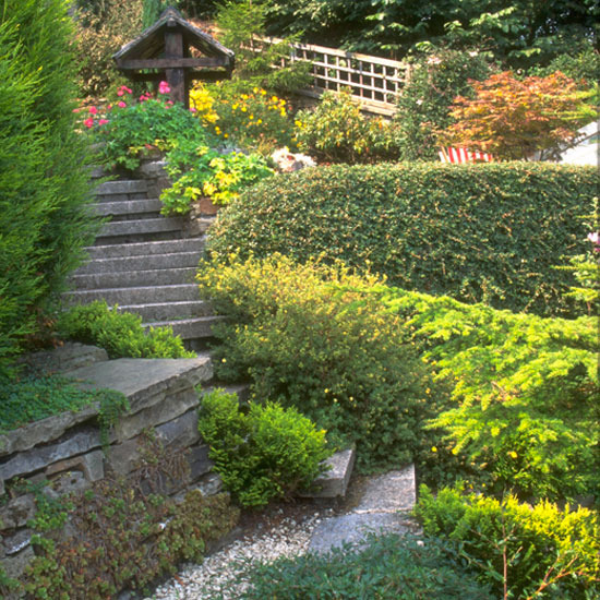 Front garden design examples native home garden design for Best house designs with garden