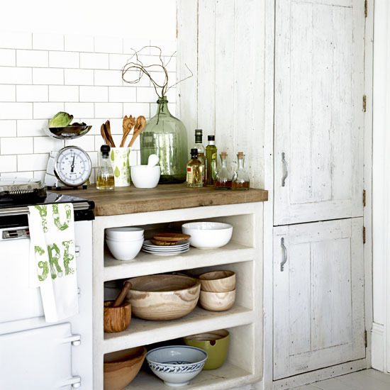 http://homeklondike.com/wp-content/uploads/2011/03/8-white-kitchens-ideas-Rustic-kitchen-storage.jpg