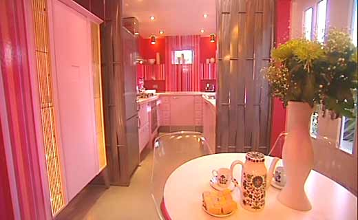 1 modern pink kitchen by laurence llewelyn bowen Modern Pink Kitchen by Laurence Llewelyn Bowen