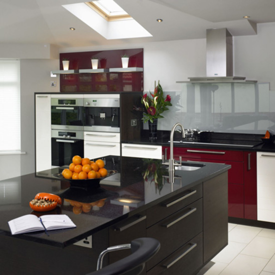 Gloss Black Kitchen Interior Design Ideas