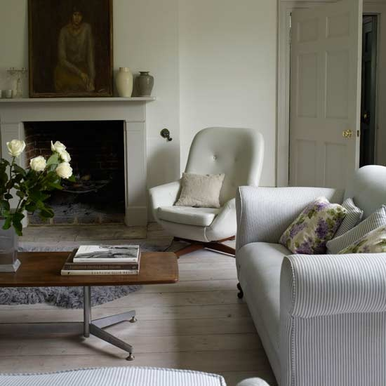 3-white-traditional-living-room-ideas-2011-Natural-living-room ...