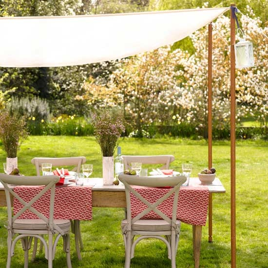 2-ideas-for-garden-outdoor-rooms-Hang-a-canopy | Home Interior ...