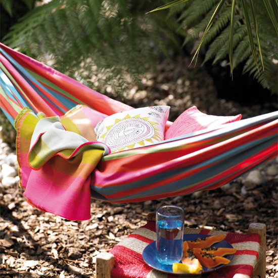 4 ideas relaxing outdoor living Pink garden hammock Ideas: Relaxing outdoor living