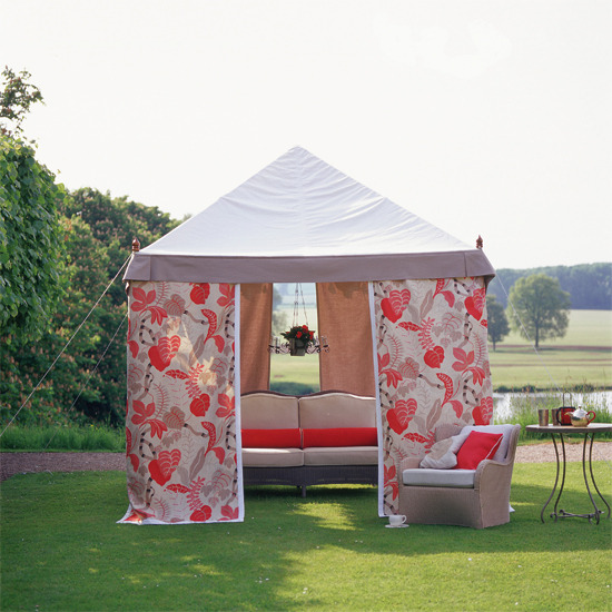 5-ideas-relaxing-outdoor-living-Floral-marquee-gazebo | Home ...