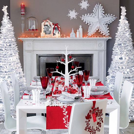 Snowflakes And Red Berries Tabletop