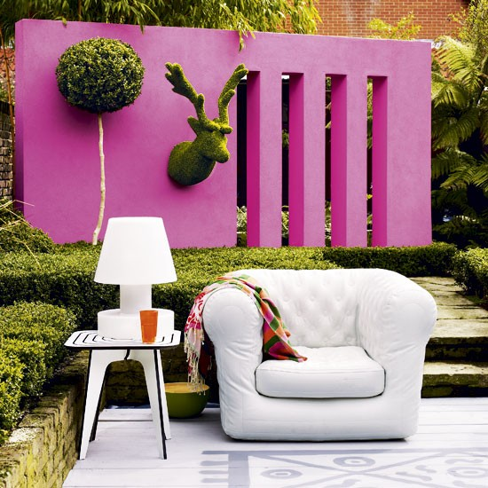 2-top-10-ideas-for-modern-pink-garden-Colourful-garden-wall | Home ...