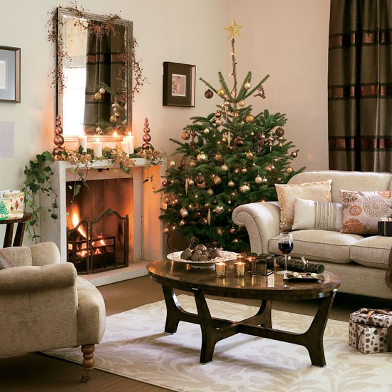 Top 10 best christmas living room decorating ideas for Best living room decor