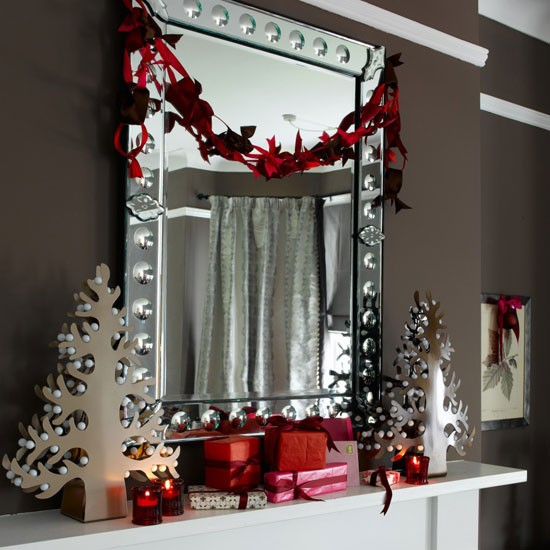 4-modern-ideas-for-christmas-mantelpiece-10-best-Decorate-mirror ...