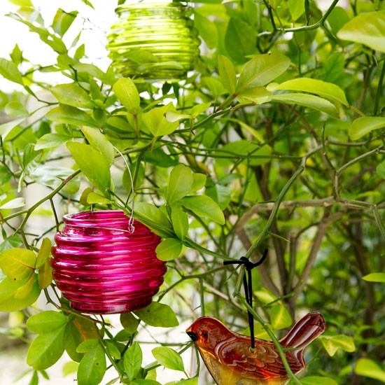 5-top-10-ideas-for-modern-pink-garden-Colourful-garden-tealight ...