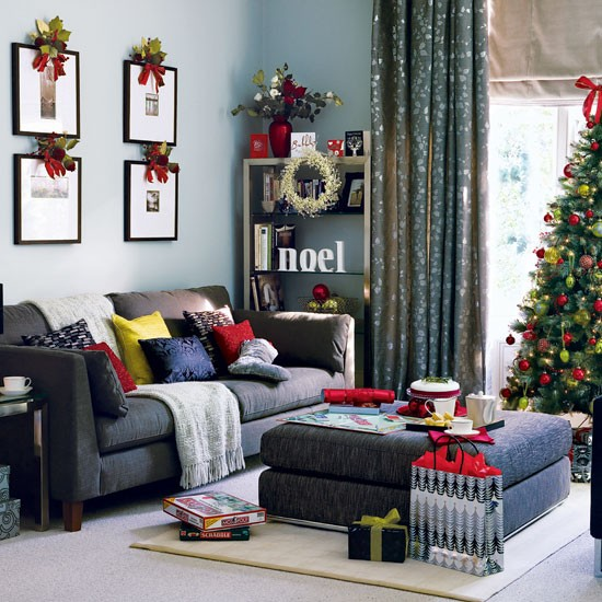 Top 10 Best Christmas Living Room Decorating Ideas