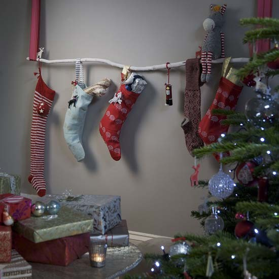 7-best-low-effort-christmas-decorating-ideas-Hang-stockings ...