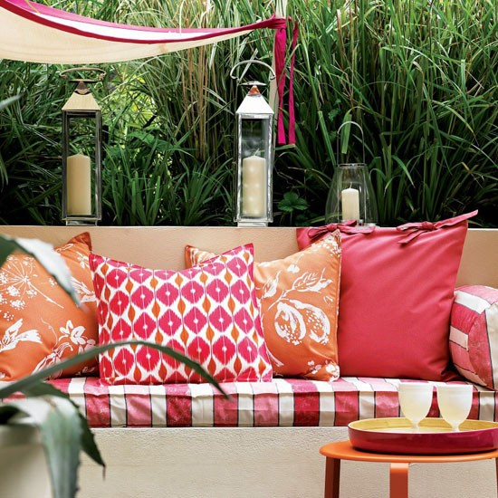 6-ideas-for-perfect-small-town-garden-Plan-seating-for-party ...