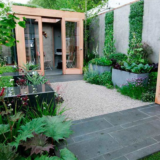 Lush garden ideas vertical home garden Home and garden interior design