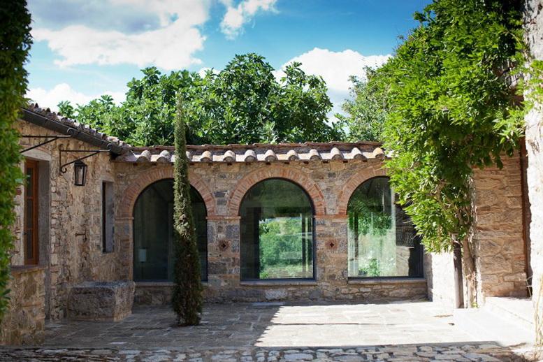 3 new interior of old villa by victoria maria geyer New Interior of Old Villa by Victoria Maria Geyer