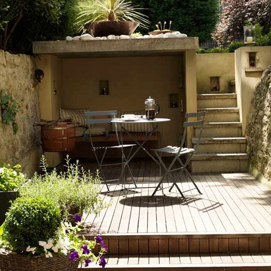 4-design-ideas-for-small-gardens-Small-decked-garden | Home ...