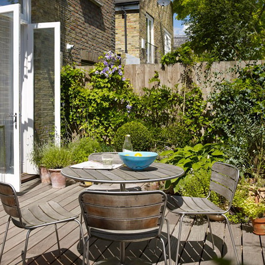 8-design-ideas-for-small-gardens-Small-garden-terrace | Home ...