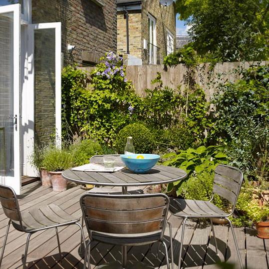 http://homeklondike.com/wp-content/uploads/2012/04/8-design-ideas-for-small-gardens-Small-garden-terrace.jpg