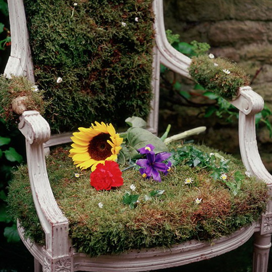 8-unusual-and-wonderful-gardens-garden-throne | Home Interior ...