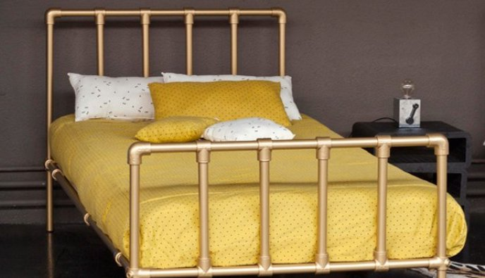 1 metal bed in retro style Metal bed in retro style