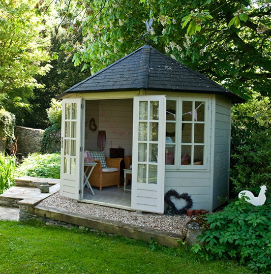 Landscaping ideas backyard yoga platform lanscape for Small garden house design