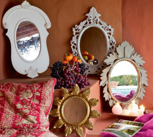 1 vintage mirrors in interior Vintage mirrors in interior