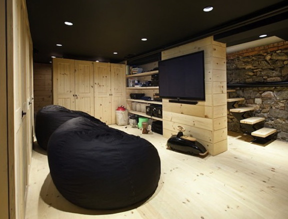 1-black cushion
