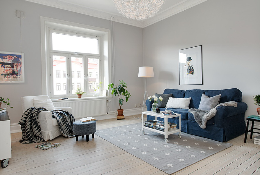 The new design of the old apartment in Sweden Home  : 5 blue sofa from homeklondike.com size 880 x 592 jpeg 179kB