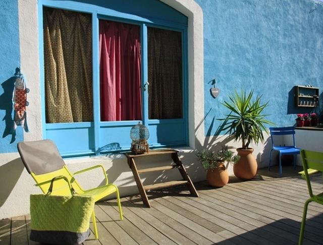 5-blue walls