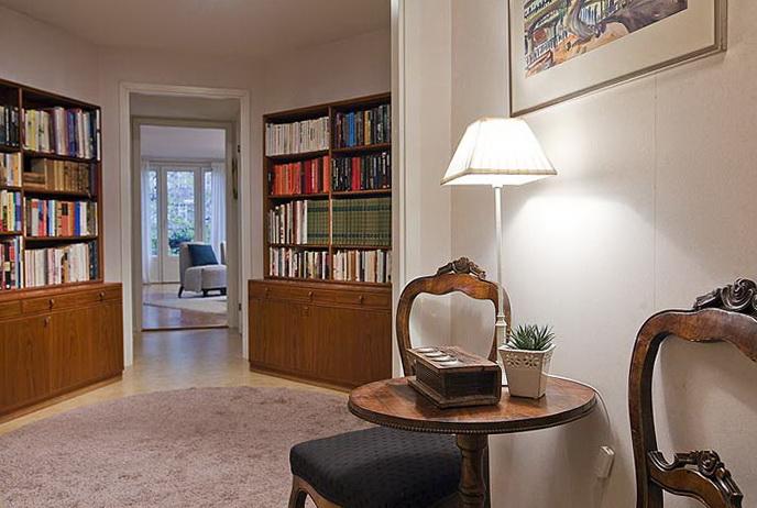 5-shelves for books