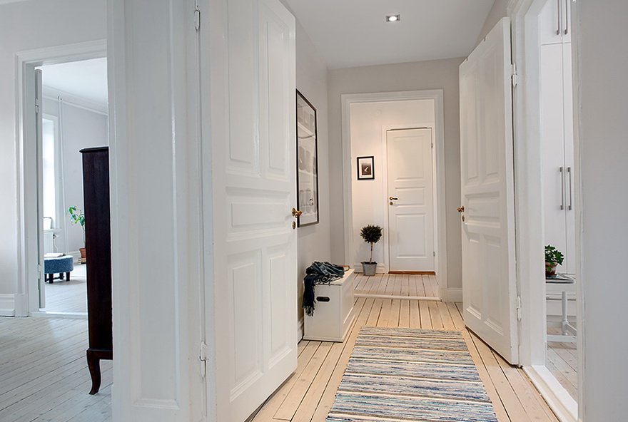 new closet doors ideas - The new design of the old apartment in Sweden