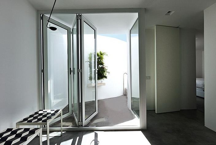 9-plastic doors