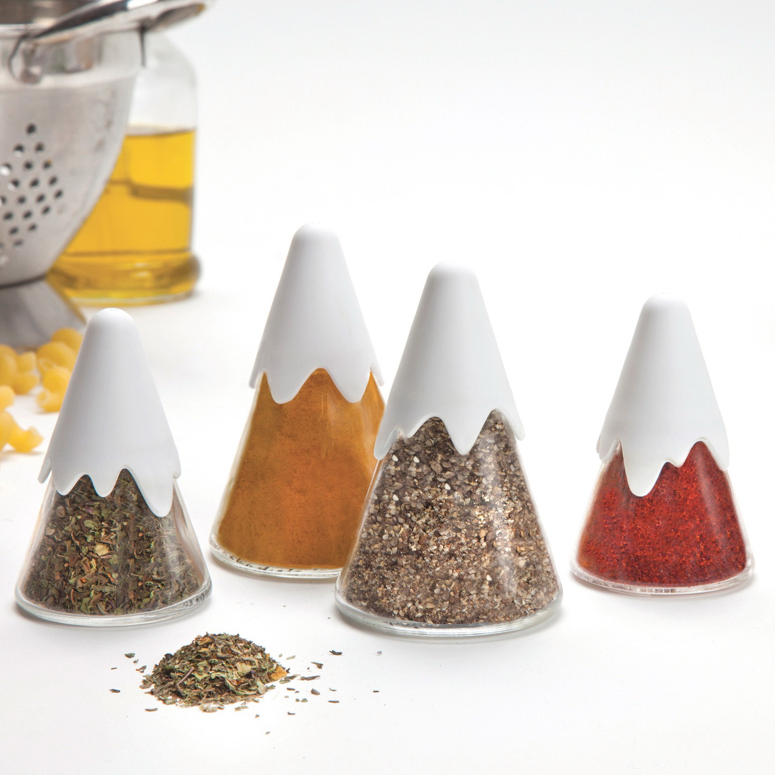 1-himalaya-spice-shakers-by-peleg-design