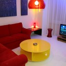 1-the-design-of-a-small-apartment-in-the-style-of-pop-art