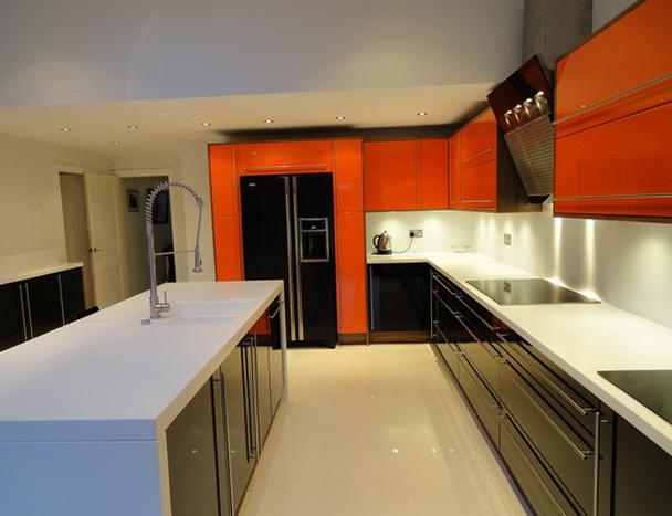 10-black kitchen