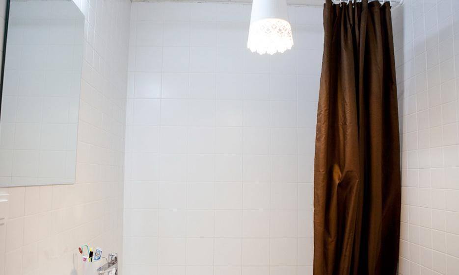 131-bathroom-lighting