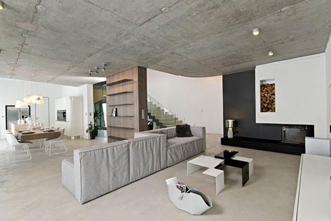 14-huge ceiling