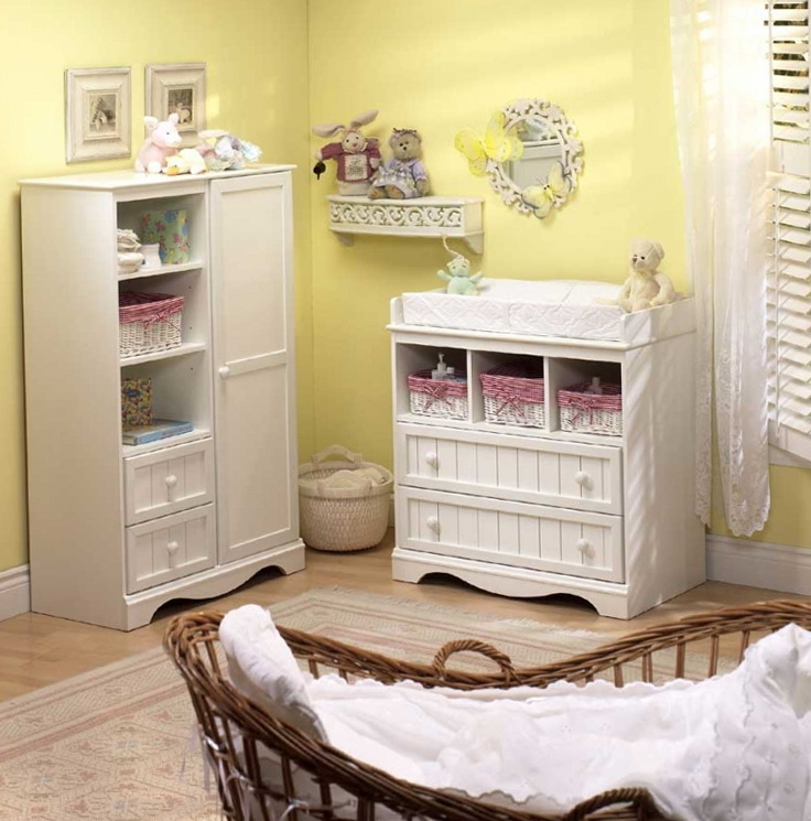 وجمال اللون الأبيض في غرفة النومعالم وردي حالم في غرفةالفتاة