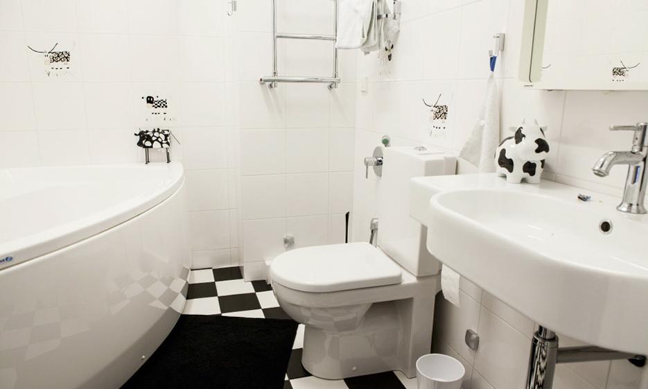 191-kid's bathroom