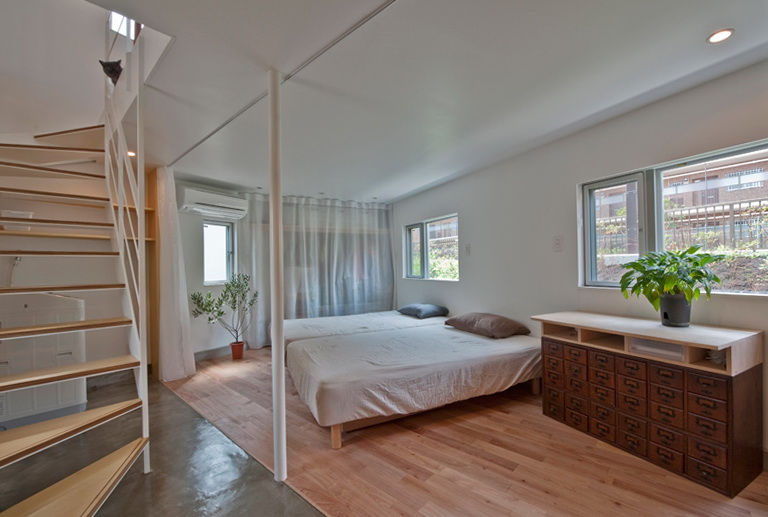 2-spacious bedroom