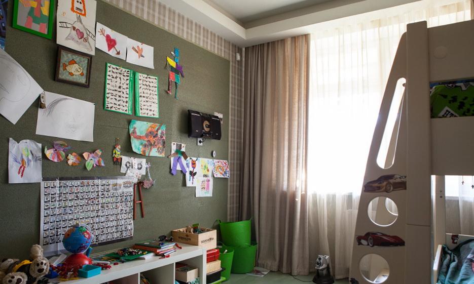 211-kid's room