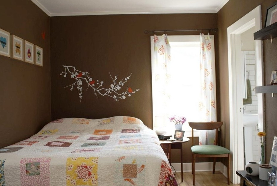 3-cheerful bedroom