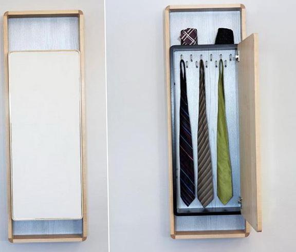 3-closet for a tie