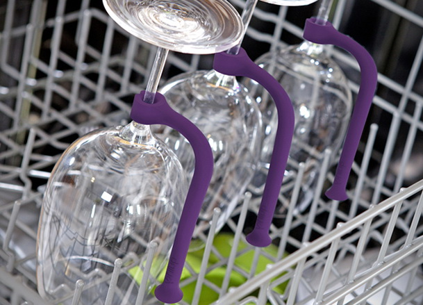 3-tether-stemware-saver