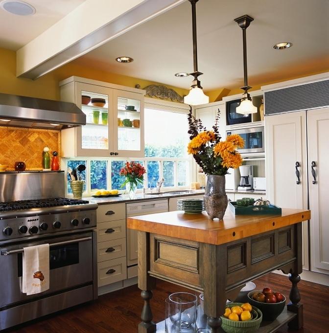 4-kitchen in shades of orange