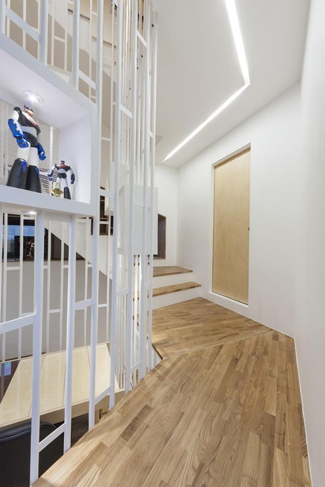 4-white-interior