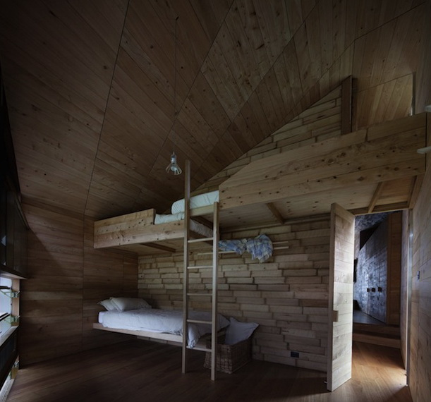 5-wooden-bedroom